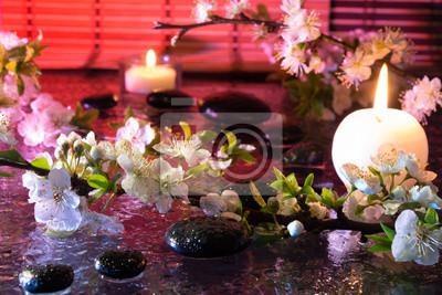 fiori di Mandorla con Candela e pietre nere - Farbtherapie
