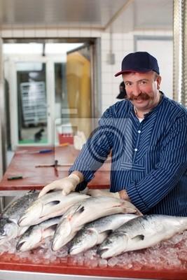 Fischhändler frische Lachse Verkauft