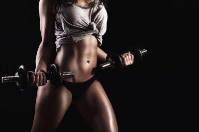 Bild Fitness Frau in harten Trainings