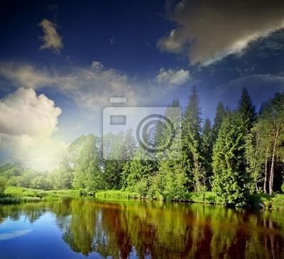Bild Fluss und dramatischen Himmel