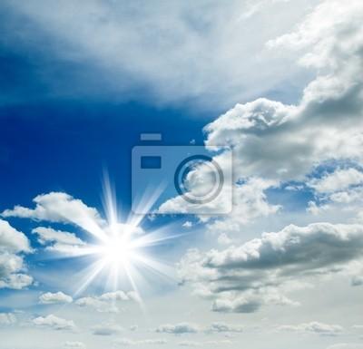 fondo cielo azul con y Sol