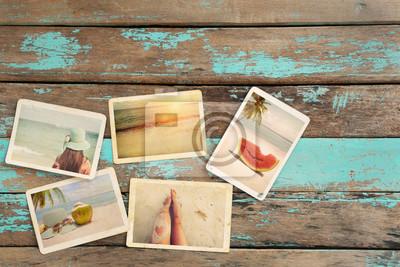 Bild Fotoalbum der Reise Hochzeitsreise im Sommer auf Holztisch. Instant Foto von Vintage-Kamera - Vintage und Retro-Stil