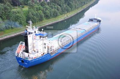 Frachtschiff im Nord-Ostsee-Kanal