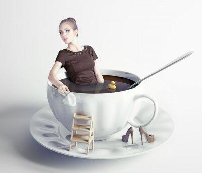 Bild Frau in der Tasse Kaffee