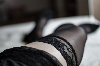 Frauen in halterlosen