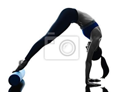 Frau pilates Rollenübungen Fitness isoliert