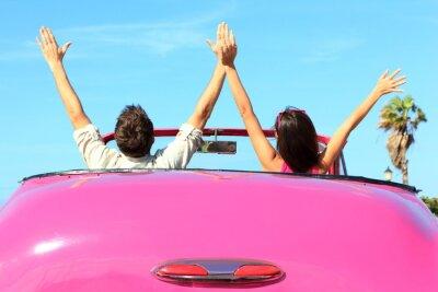 Bild Freiheit - frei glücklich Paar im Auto