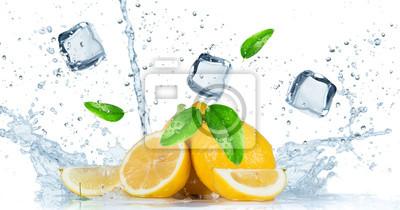 Bild Fruit with water splash