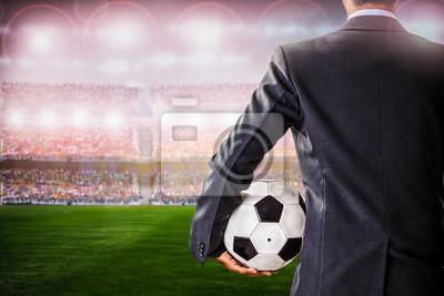 Fußball-Manager gegen Unterstützer im Stadion