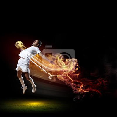 Fußball-Spieler mit Ball