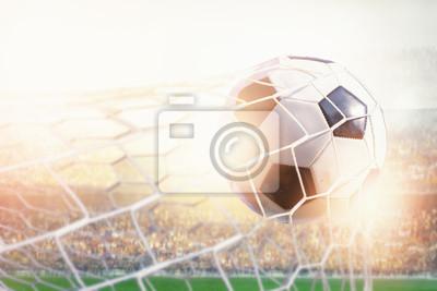 Fußball traf das Netz gegen Aufflackern im Stadion während des Spiels, Torerfolgkonzept