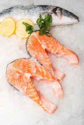 Bild Ganze Makrelenfisch und Lachs