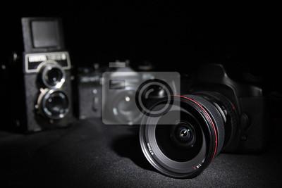 Generationen Kameras. Digital und Film.