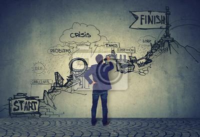 Bild Geschäft Karriere Herausforderungen. Kaufmann Blick auf eine Skizze der Schwierigkeiten auf dem Weg nach oben