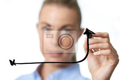 Geschäftsfrau Zeichnung ein Pfeil Graph