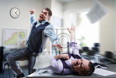 Bild Geschäftsleute kämpfen im Büro