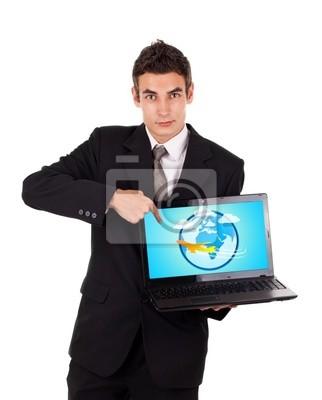 Geschäftsmann, der auf einem Laptop mit dem Flugzeug