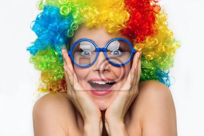 Girl in Farbe Perücke