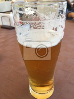 Glas Bier Auf Tisch Hintergrund Leinwandbilder Bilder Bier