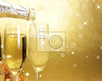 Bild Gläser Champagner auf goldenem Hintergrund