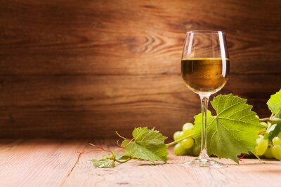 Bild Glass of white wine.