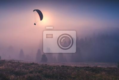 Gleitschirm fliegen und Selfie machen