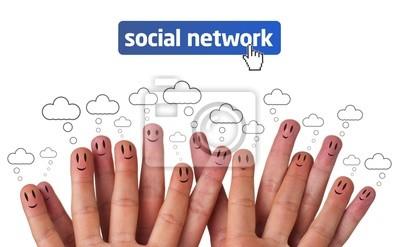 Glücklich Gruppe von Finger Smileys mit sozialen Netzwerk-Symbol