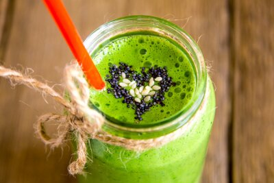 Bild Green smoothie with heart of seeds