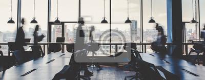 Bild Group of people working in modern office