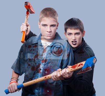 Halloween Teenager-Mörder auf grau isoliert