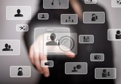 Hand drücken Social-Media- Tasten