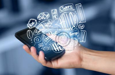 Bild Hand halten Telefon mit handgezeichneten Sprechblasen