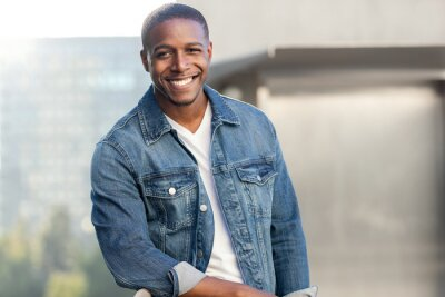 Bild Handsome african american male portrait, cool trendy relaxed attire, living lifestyle headshot