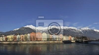 Bild Häuserzeile in Innsbruck mit Blick sterben Markt auf Nordkette