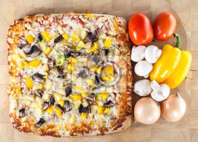 Hausgemachte Pizza mit frischen Zutaten