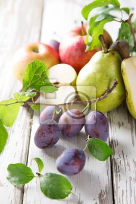 Bild Healthy organic vegetable on wooden table