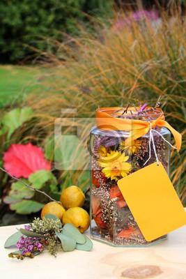 Herbstliche Tischdeko Auf Dem Gartentisch Leinwandbilder Bilder