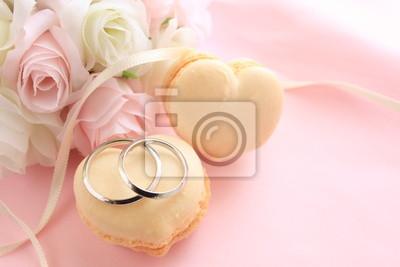 Herzform Makronen Mit Blumenstrauss Fur Die Hochzeit Hintergrund