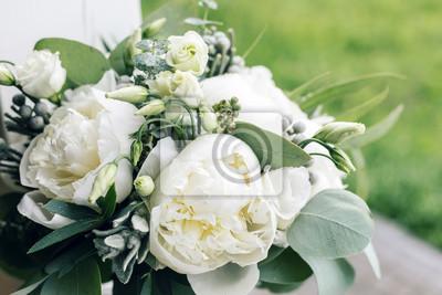 Hochzeitsstrauss Mit Regentropfen Morgen Am Hochzeitstag Am Sommer