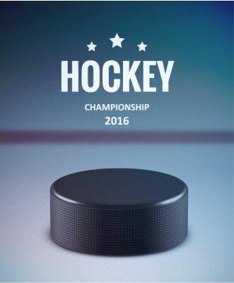 Bild Hockey Puck isoliert auf Eis mit Unschärfe