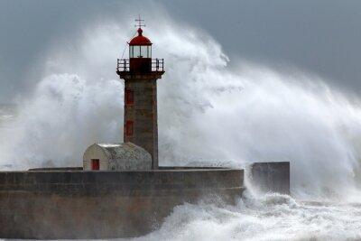 Bild Huge wave over lighthouse