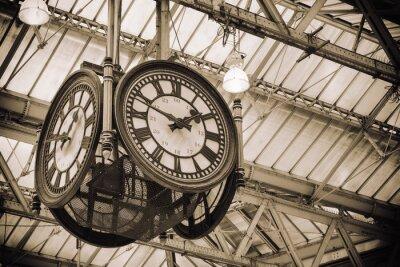 Bild iconic alte Uhr Waterloo Station, London