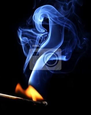 Ignition von Match mit Rauch