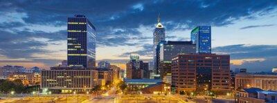 Bild Indianapolis. Foto von Indianapolis Skyline bei Sonnenuntergang.