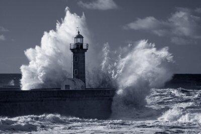 Bild Infrarot-alten Leuchtturm unter schweren Sturm