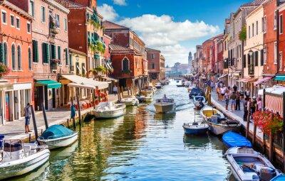 Bild Insel murano in Venedig Italien. Blick auf Kanal mit Boot
