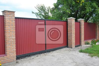 Installieren Von Ziegel Und Metall Zaun Tor Mit Tur Rote Metall