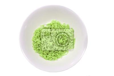 Instant Green Nudeln im weißen Teller