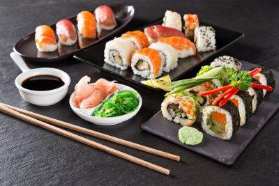 Bild Japanese seafood sushi set