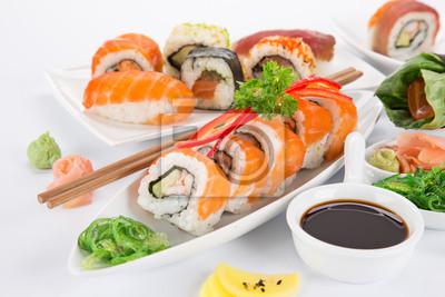 Bild Japanese sushi set